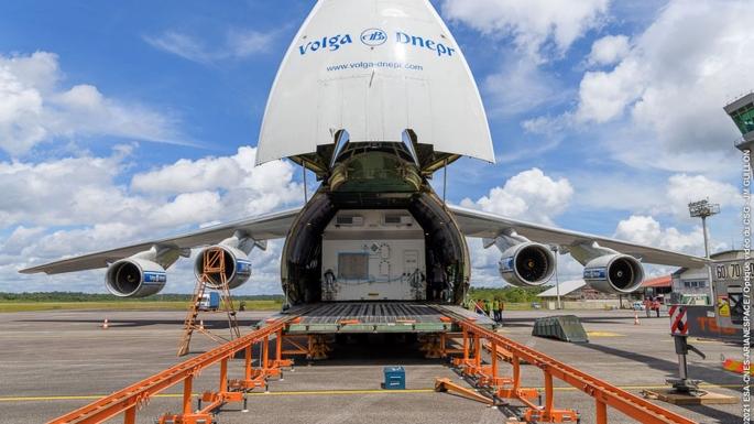 Arrivée du second satellite de VA254 à l'aéroport Félix EBOUE.