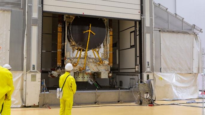 15/10/21 - Hissage et pose du Composite supérieur (Coiffe Ariane 5 + charges utiles) sur le lanceur