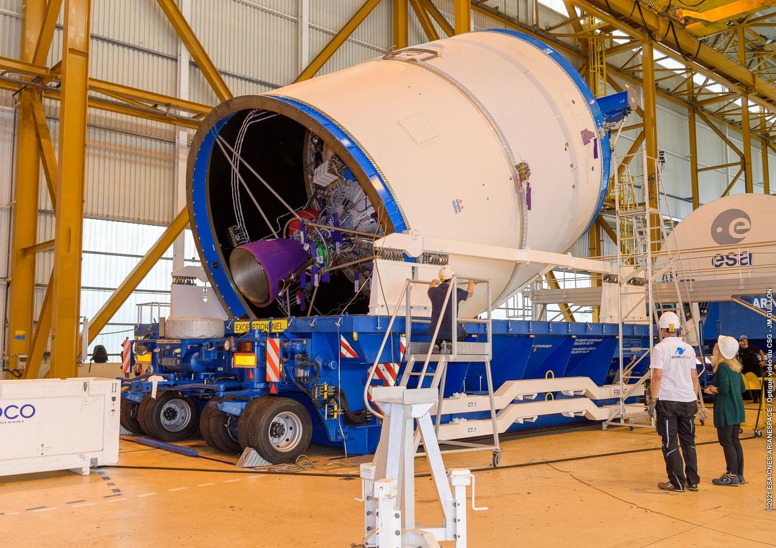 Un des deux passagers du 254ème vol d'Ariane est arrivé à l'aéroport Félix EBOUE à bord de l'Antonov.