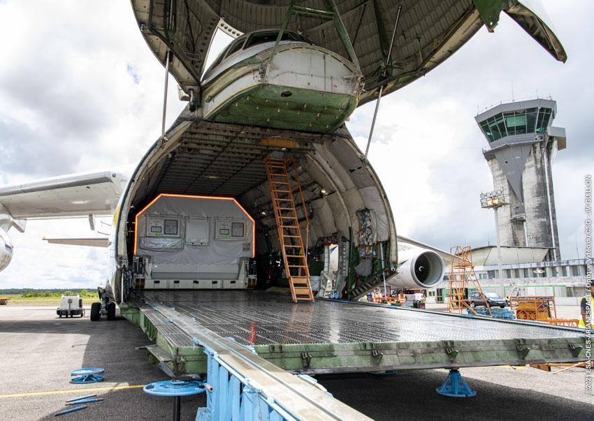 23/09/21 - Arrivée de la second charge utile de VA255 à l'aéroport Félix EBOUE