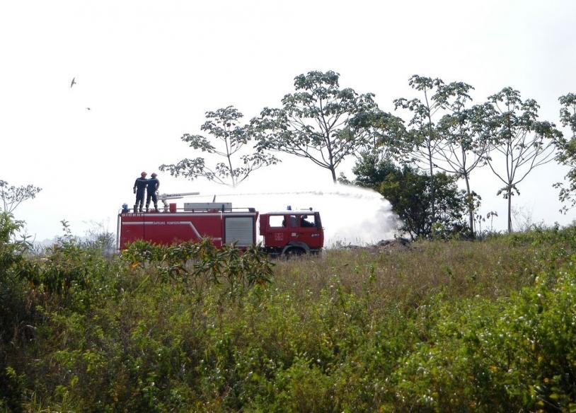 Intervention de la BSPP lors d'un feu de savane