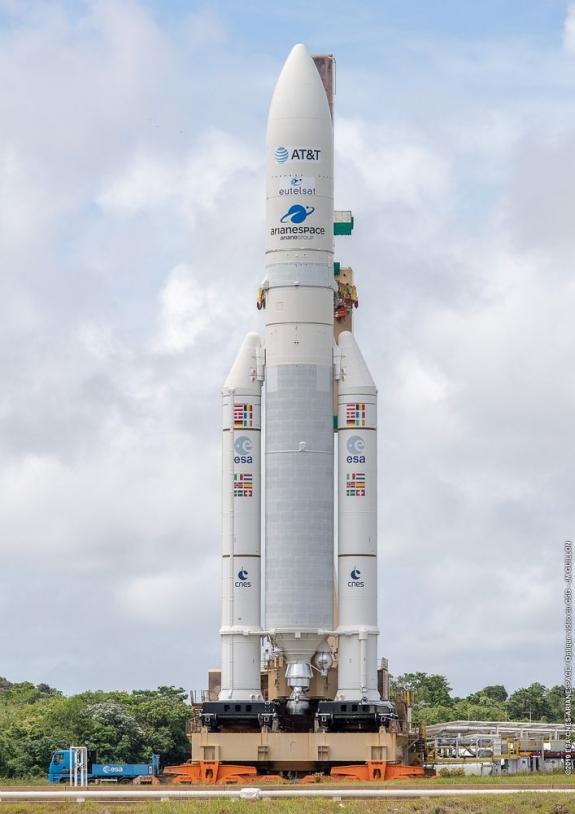 Transfert d'Ariane 5 en zone de lancement